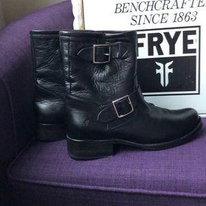 Frye Vicki Engineer short boots